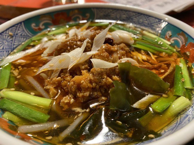 【中国魚菜館 天】中国人から大人気の中華 台湾ラーメンとミニチャーハンセット ¥780(税抜)