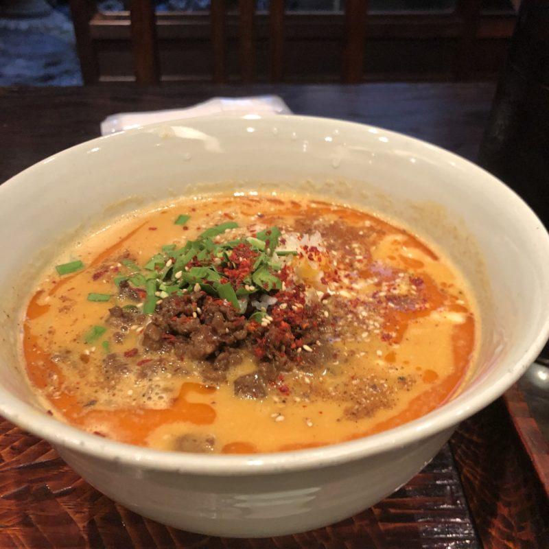 【洛一居】オシャレ京町屋でたべる担々麺とおばん菜、ご飯 ¥980(税込)