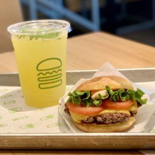 【Shake Shack】人気店のボリューミーハンバーガー!シャックバーガー ¥710(税抜)