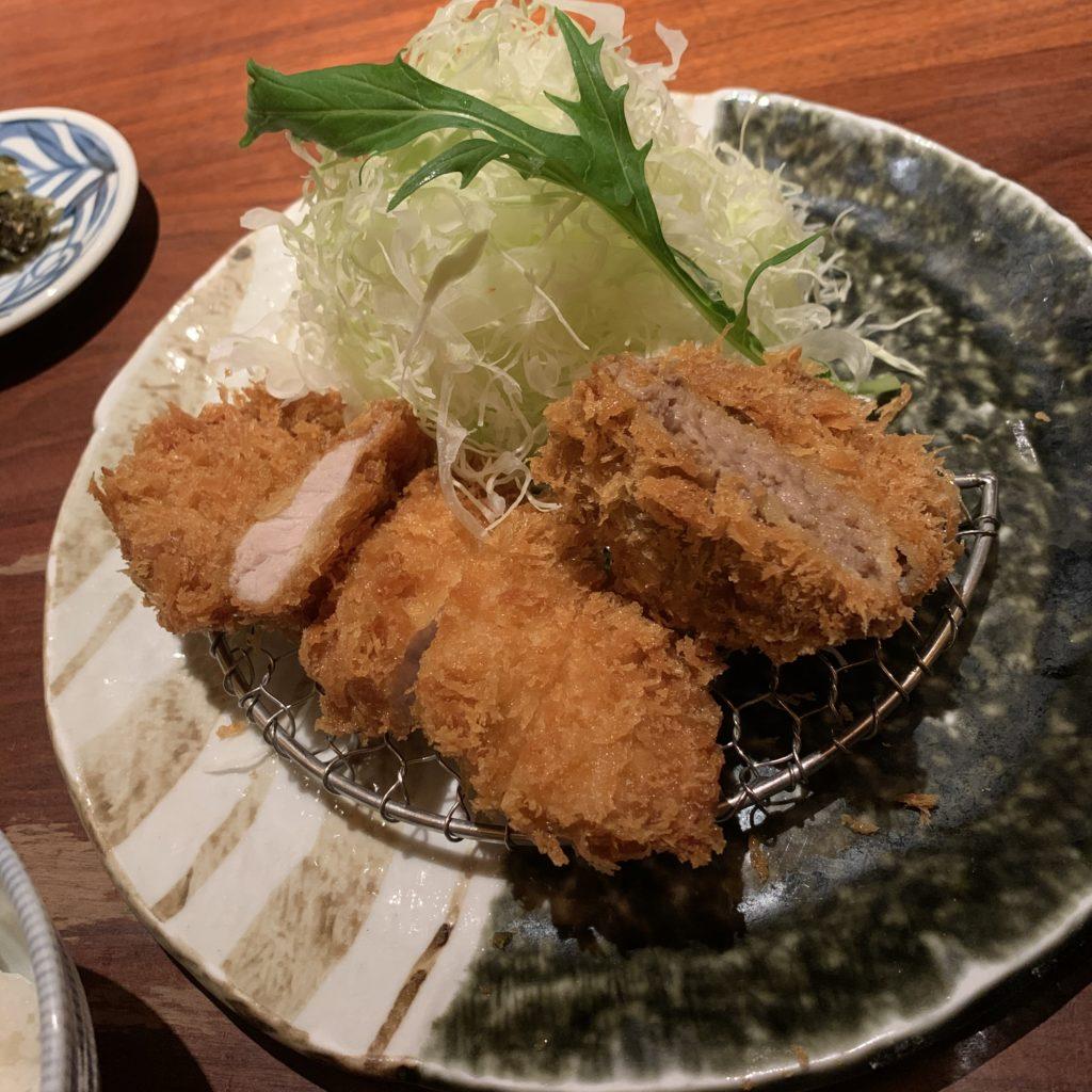 【かつくら 四条東洞院店】ご飯・味噌汁・キャベツおかわり自由!ロースカツ ¥1,240(税込)