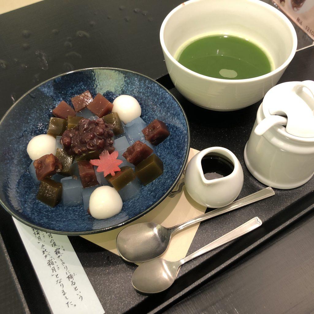 【イオリカフェ】味覚でも視覚でも楽しめる!3色あんみつ¥770(税込)