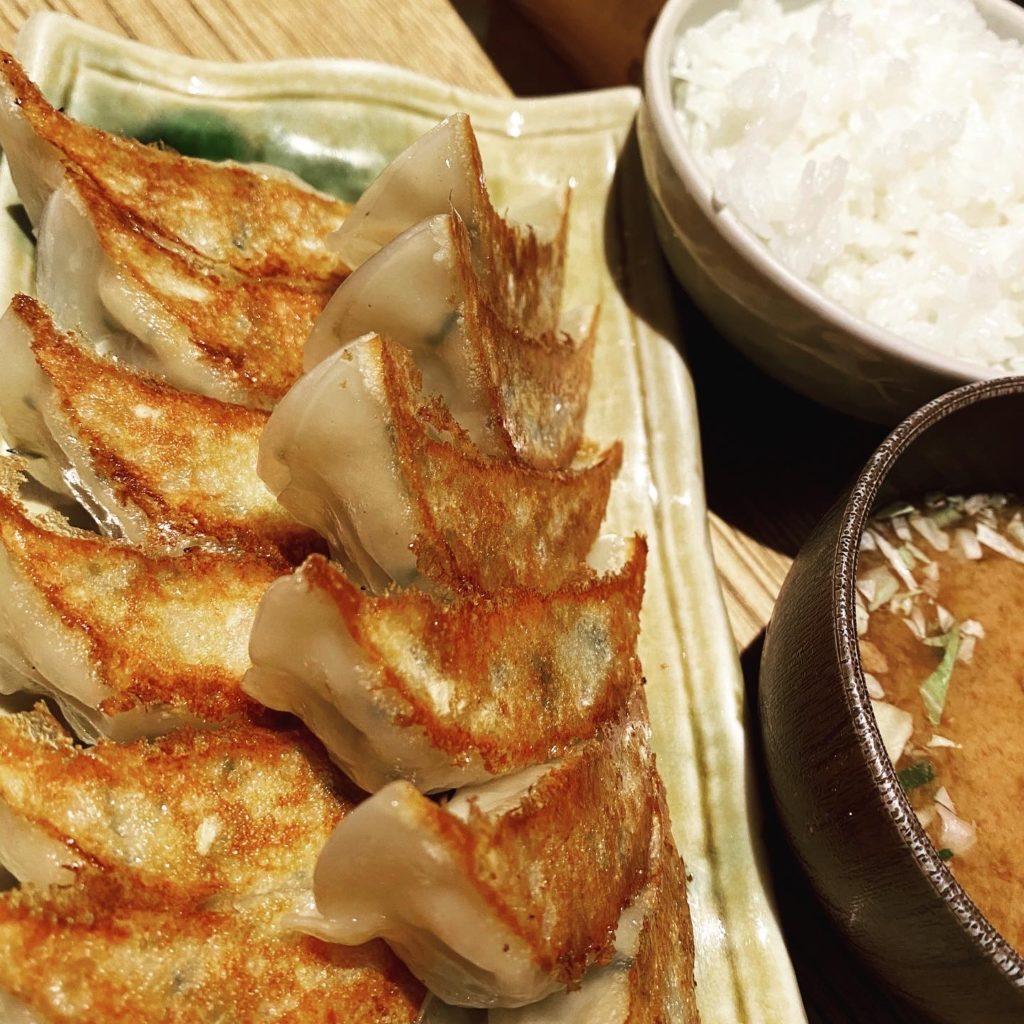 【亮昌 高辻店】カツオの出汁を使用した和風ぎょうざ 餃子定食 ¥840(税込)