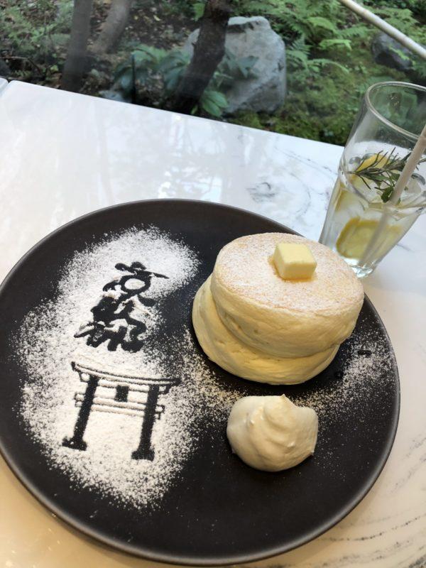 【MICASADECO&CAFE KYOTO】「和&モダン」アートな空間で頂くふわふわパンケーキ リコッタチーズパンケーキ ¥900(税込)