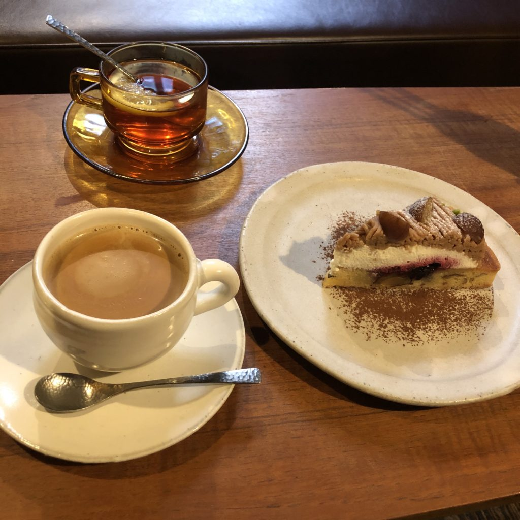 【cafe marble】築100年の町家で頂く、自家製タルト 栗とカシスのモンブランタルト ¥750(税込)