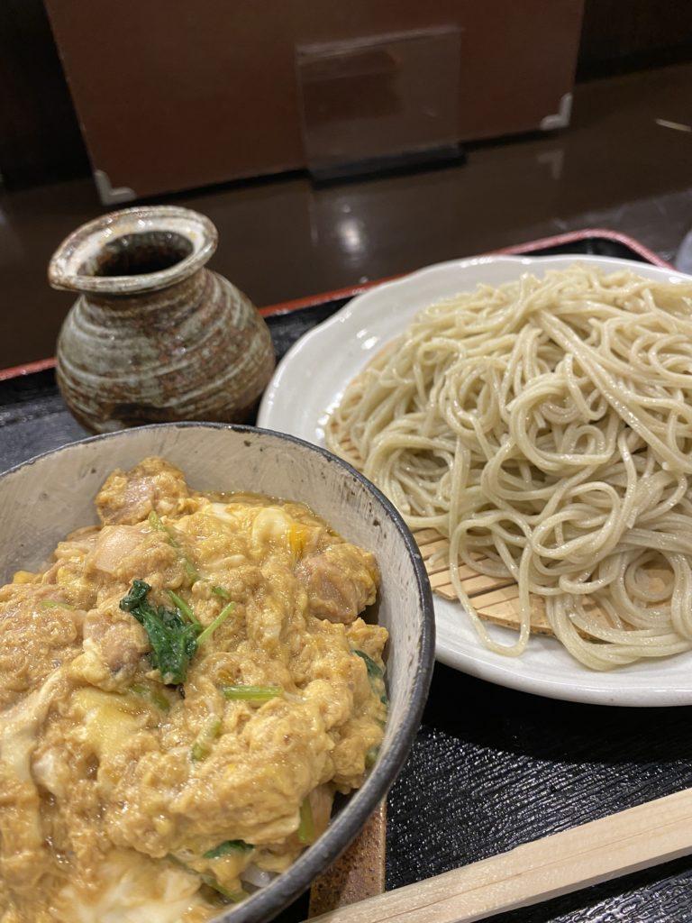 【手打ち蕎麦 井上】本格的手打ちそばが食べれる!ざる蕎麦 ¥850(税込)