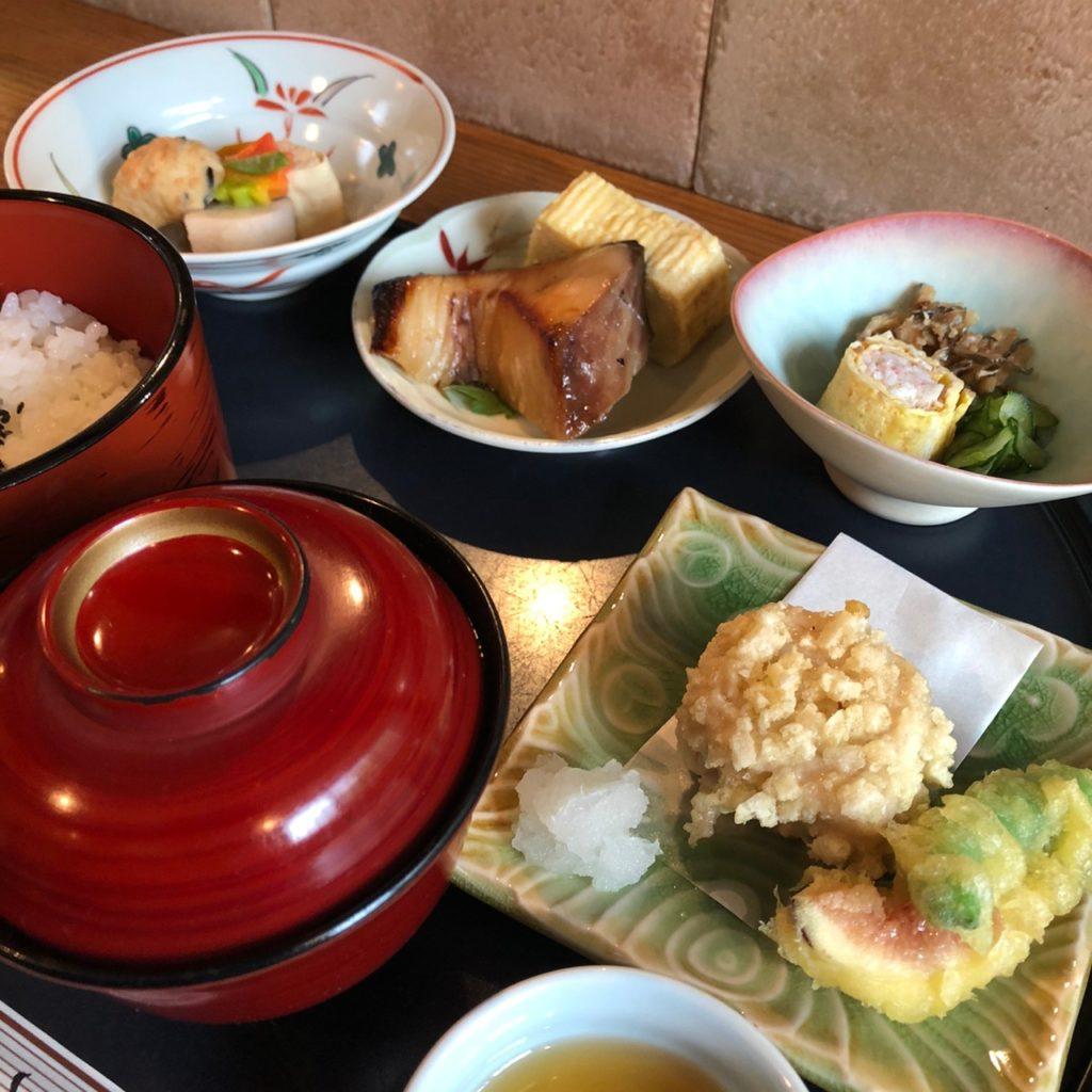 【松粂 (まつくめ)】本格的懐石料理ランチをお手頃な価格で ランチメニュー ¥1,100(税込)