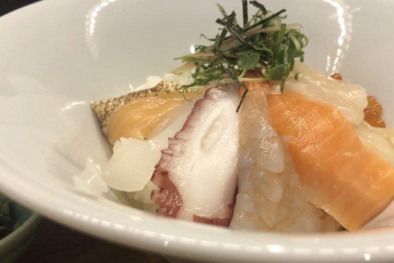 【錦おぶや】海の幸を贅沢に使わえるお茶漬け!海鮮7種 ¥980(税込)